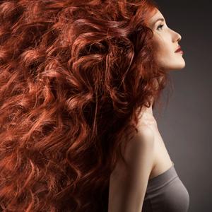 Traitements anticancer - Comment vit-on la perte des cheveux l Rose Magazine