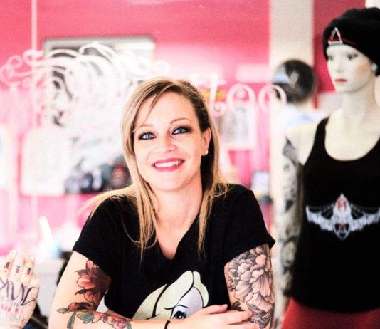"""La tatoueuse Alexia, alias """"Miss Tétons"""" - Rose Magazine @Alexia © Christophe Carlier"""