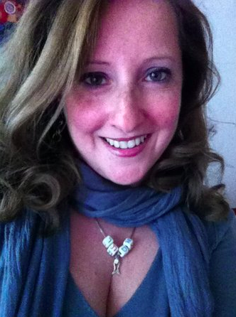 Ester Lynne @Ester Lynne est fière de s'être battue pour son décolleté