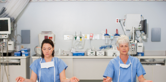 Infirmières, un métier difficile RoseUp Association Face aux cancers osons la vie