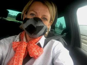 Alexandra Leclerc confectionne et vend des masques colorés et originaux sur son site internet. rosemagazine. roseupassociation