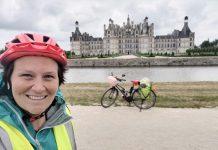 Alexandra traverse la France en vélo après son cancer du sein. Rosemagazine. Roseupassociation