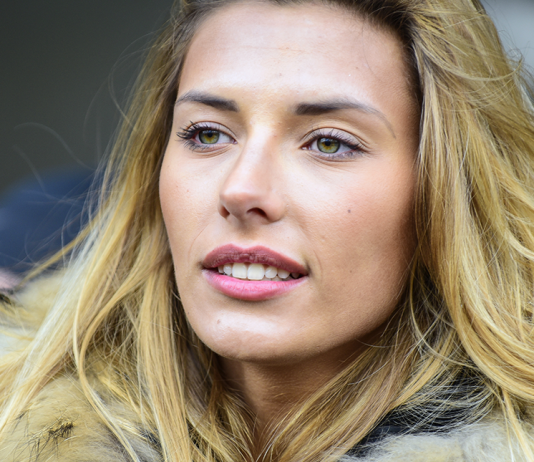 Camille Cerf, miss France 2015, s'engage contre le cancer - roseup association - face aux cancers osons la vie