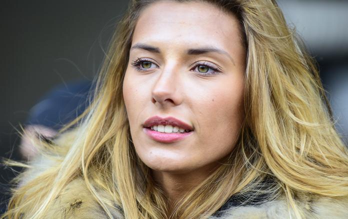 Camille Cerf, miss France 2015, s'engage contre le cancer - roseup association - face aux cancers osons la vie