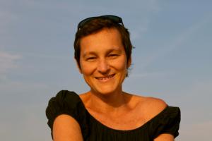 Catherine est atteinte d'un cancer du sein métasatatique - roseup association face aux cancers osons la vie