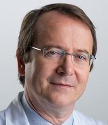 Pr Eric Raymond, oncologue dans l'aile Covid de l'hôpital Saint Joseph - roseupassociation - rosemagazine
