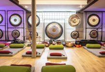 Le gong bath relaxe grâce aux vibrations des sons - roseup association