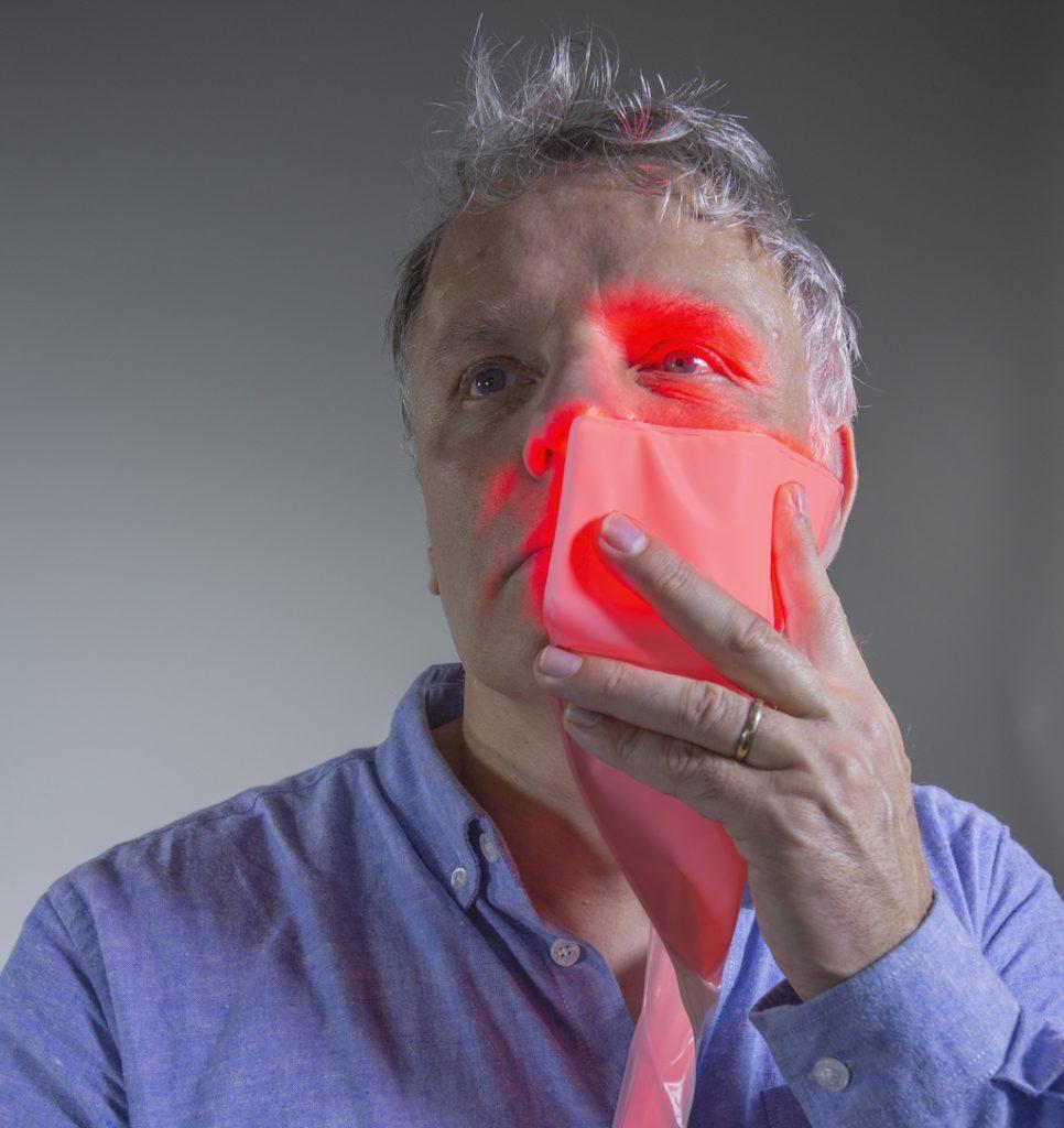 Tisser la lumière pour soigner les mucites