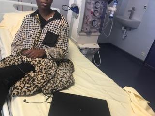 Bloquée à l'hôpital, Clémentine n'a pas pu récupérer ses papiers et a perdu ses droitq - roseup association