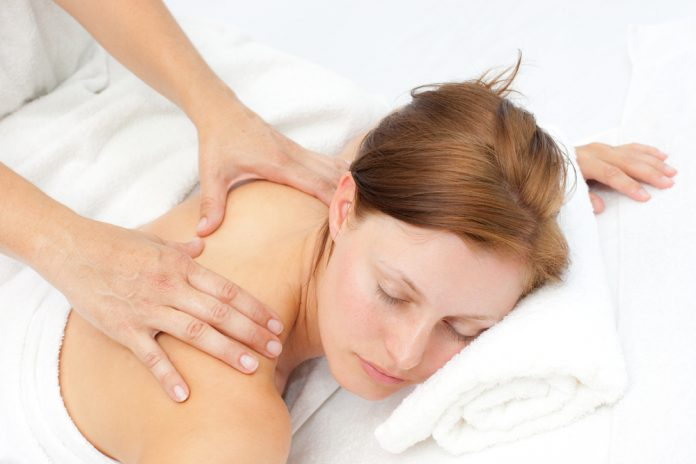 massage RoseUp Association Face aux cancers osons la vie