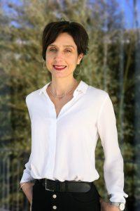 Le Dr Véronique Pelagatti étudie les interactions entre les médicaments anti-cancéreux et les plantes - roseup association