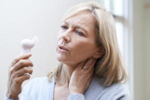 Les traitements contre le cancer peuvent provoquer des bouffées de chaleur