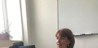 Le Dr Quenel-Tueux en consultation via sa web cam à l'Institut Bergonié de Bordeaux