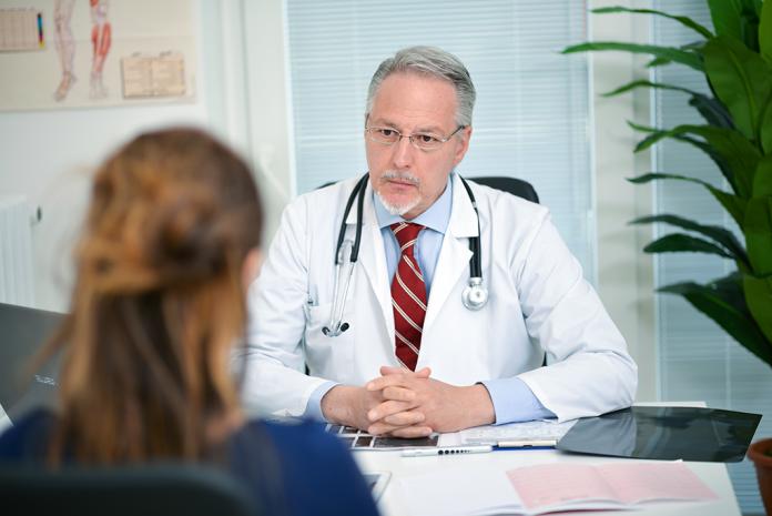 Le sexisme dans le milieu médical peut avoir des répercussions importantes sur la santé des femmes - roseup associaton