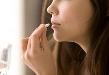 medicament-roseupassociation-shutterstock_658205014-web