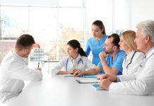 RCP-késako-RoseUp Association Face aux cancers osons la vie-shutterstock_569051131