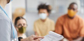 journée mondiale cancer vaccination-RoseUp Association Face aux cancers osons la vie-shutterstock-1891436707